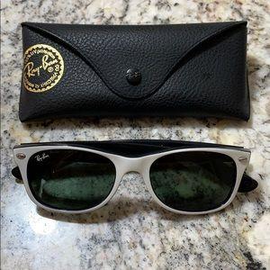 New White/Black Ray-Ban Wayfarer Sunglasses